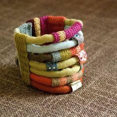 fiber cuff by Maria João Ribeiro - kjoo. Love this!!! Do this!!!