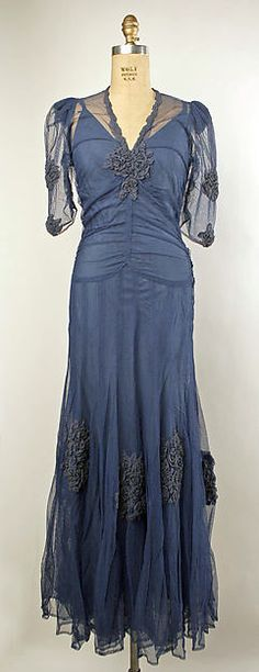 beautiful grey-blue rayon and silk evening dress, 1937 1930s Fashion, Retro Fashion, Vintage Fashion, Vintage Vogue, Indian Fashion, Vintage Gowns, Vintage Outfits, Moda Vintage, Vintage Couture