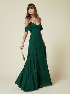 14 stylish ideas to wear an emerald green dress