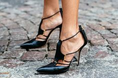 Black strappy Shoes.