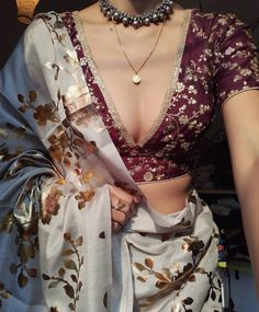 Indian Fashion Trends, Indian Bridal Fashion, Indian Fashion Dresses, Indian Designer Outfits, Girls Fashion Clothes, Indian Outfits, Indian Attire, Cotton Saree Designs, Saree Blouse Designs