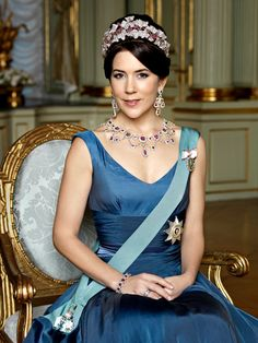 A 'real' princess, isn't she pretty? Crown-Princess Mary © Steen Evald