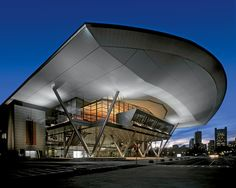 Rafael Viñoly and HNTB Architecture designed the Boston Convention and Exhibition Centre BCEC a steel and glass trade fair centre in Boston: a simple F35, New Architecture, Architectural Photographers, Roofing Contractors, In Boston, Boston Strong, Convention Centre, Metal Roof, Entrance