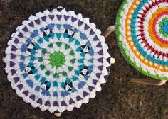 Christmas Preparation ~ Part 2 Crochet Potholders, Crochet Stitches, Knit Crochet, Crochet Mandala Pattern, Knit Patterns, Crochet Round, Crochet Squares, Christmas Preparation, Throw Rugs
