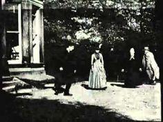 Roundhay garden scene ('la escena del jardín de Roundhay') Esta es la primer película que se filmó en la historia. Al mismo tiempo es la más corta. No parpadee, dura solo dos segundos.