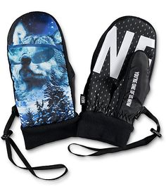 Show off your eccentric personality up on the summits with the Neff Character Howler Snowboard Mittens. The mittens have wolf graphics in a blue and white colorway and have a 2x PU coated NTX chassis for durability and water-resistance. The underside are