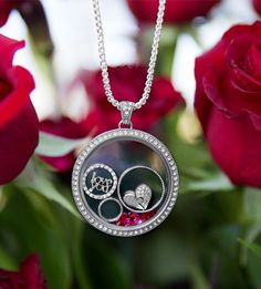 The Legacy Piece of My Heart charm with Swarovski crystals may be my favorite piece in the Origami Owl Valentine's 2017 collection! Origami Owl Watch, Origami Bag, Origami Owl Lockets, Origami Owl Jewelry, Locket Bracelet, Pandora Bracelet Charms, Pandora Jewelry, Origami Owl Business, Personalized Charms