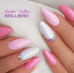 The advantage of the gel is that it allows you to enjoy your French manicure for a long time. There are four different ways to make a French manicure on gel nails. Wall Nails, Sea Nails, Pink Nails, Pink Wedding Nails, Pink Nail Art, Gorgeous Nails, Love Nails, Pretty Nails, Classy Nail Designs