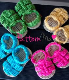Crochet Baby sandals...LOL this is too darn cute. Wish my hands would cooperate with me. I would love to make these.