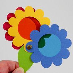 Spy Glass Rueda de color hecha con troqueles de flores