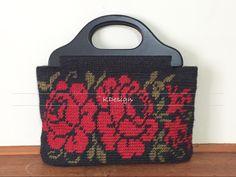 Tapestry crochet bag- Red Roses