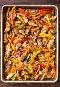 Sheet Pan Chicken Fajitas - Life Made Simple Bakes - i ♥ main dish recipes - Sheet Pan Chicken Fajitas. These were super yummy and loved by the whole family! Chicken Fajita Rezept, Baked Chicken Fajitas, Pork Fajitas, Recipe For Chicken Fajitas, Oven Baked Fajitas, Chicken Fajita Bowl, Steak Fajita Recipe, Mexican Chicken Casserole, Chicken Casserole