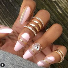 Here are 8 Beautiful Nails That You Need Right Now. These nails will inspire you to get a new manicure right away. Or if you fancy, give yourself some DIY action to make your nails pretty on your very own. We hope you enjoy these nails! Hot Nails, Pink Nails, Hair And Nails, Sexy Nails, Fabulous Nails, Gorgeous Nails, Pretty Nail Designs, Nail Art Designs, Nails Design