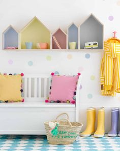 I love this cute childrens room decor with little houses as a bookshelf on the wall and lovely pastel colours. Kids Bedroom, Bedroom Decor, Wall Decor, Gray Bedroom, Wall Art, House Shelves, Box Shelves, Kids Book Shelves, Kids Shelf