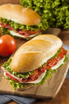 Is There a Difference Between Hoagies, Heroes, Subs, and Grinders? — Word of Mouth Hoagie Sandwiches, Types Of Sandwiches, Cold Sandwiches, Sandwich Shops, Sandwich Recipes, Italian Recipes, Dinner Recipes, Food And Drink, Yummy Food