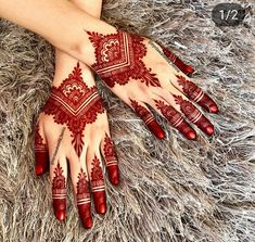 Mehndi henna designs are always searchable by Pakistani women and girls. Women, girls and also kids apply henna on their hands, feet and also on neck to look more gorgeous and traditional. Henna Hand Designs, Dulhan Mehndi Designs, Mehandi Designs, Mehndi Designs Finger, Mehndi Designs Feet, Modern Mehndi Designs, Mehndi Design Pictures, Bridal Henna Designs, Beautiful Mehndi Design