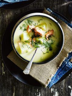 Finnish salmon and potato soup (Lohikeitto)