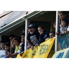 الأسطورة مارادونا:- يسعدني أن تيفيز عاد واختار قميص بوكا الذي يعشقه ومستعد ل اللعب في بوكا مع كارلوس تيفيز مرة اخري . by oleehsport