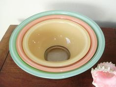 "Vintage Pastel Pyrex Mixing Bowls -- so pretty! Had a set of these exact bowls, even with the extra large blue one :( lost in the ""divorce"" lol Vintage Bowls, Vintage Dishes, Vintage Kitchen, Vintage Pyrex, Pyrex Mixing Bowls, Pyrex Bowls, Toy Kitchen, Glass Kitchen, Antique Glassware"