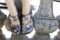Alegria Kaitlyn Black Patina - on #closeout for $69! | Alegria Shoe Shop