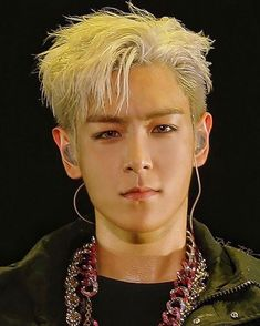 Wishing the most handsomest man on earth a very very happy bday🎊🎉 🍰 love you so much Tabi oppa Seungri, Yg Entertainment, Girls Generation, Big Bang Memes, G Dragon Top, Top Choi Seung Hyun, Vip Bigbang, Big Bang Top, Bigbang G Dragon