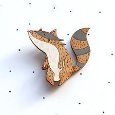 Wooden Laser Cut Racoon Brooch von solittletimeco auf Etsy, $35.00