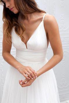 Cheap Summer Beach Wedding Bridal Gowns 2016 Marie Laporte Iris Deep V-Neck Backless A-Line LayeRed Tulle Court Train Wedding Dresses
