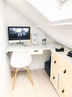 Today I want to show you my new workspace. A couple of month ago we decided to move around with a few of our rooms here at home. Attic Office, Office Nook, Home Office Space, Ikea Shelf Unit, Bedroom Workspace, Fitted Bedrooms, Loft Room, Attic Renovation, Attic Rooms