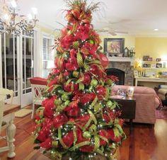 christmas trees with mesh ribbon | Beautiful Deco Mesh Christmas Tree From Ladybug Wreaths