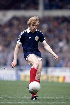 Steve Archibald of Scotland in World Football, Football Players, Creative Video, Image Collection, Stock Pictures, Royalty Free Photos, Scotland, Kicks, Soccer