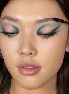 Edgy Makeup, Makeup Eye Looks, Creative Makeup Looks, Eye Makeup Art, Cute Makeup, Makeup Goals, Pretty Makeup, Skin Makeup, Eyeshadow Makeup
