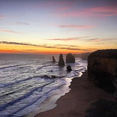 We arrived just in time as the sun went down amazing view #special #amazing #12 #apostles #great #ocean #road #roadtrip #greatoceanroad #sea #sunset #perfect #peace #outdoors #instagood #instamood #instadaily #instatravel #travel #explore #exploreeverything #happy #enjoy #view #australia #lucky #clouds #sky #colour #nature #enjoy by popnjaketraveltheworld
