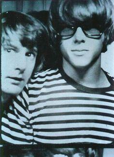 Chris Hillman (right) & Roger McGuinn (left)