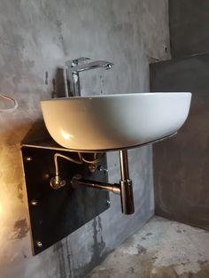 Made by Franklin Emmerich Cuba, Toilet, Bathrooms, Sink, Vanity, Design, Home Decor, Blue Bath, Blue Nails