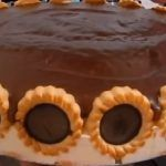 Como Hacer Torta helada de chocolate, Si te gusta dinos HOLA y dale a Me Gusta MIREN … Flan, Pan Bread, American Food, 2 Ingredients, Dessert Recipes, Desserts, Oreo, Baking Soda, Yummy Food