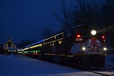 http://www.onlyinyourstate.com/connecticut/polar-express-train-ride-in-connecticut-ct/