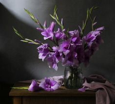 "Photo from album ""Still Life"" on Yandex. Still Life Drawing, Still Life Art, Still Life Photography, Art Photography, Still Life Images, Violet, Flower Vases, Watercolor Flowers, Floral Arrangements"