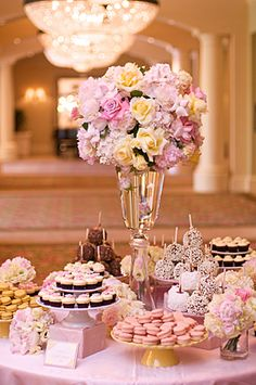 www.nisiesenchanted.com Dessert table in pink