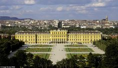 Image from http://i.dailymail.co.uk/i/pix/2015/03/31/08/2723F9CF00000578-3017832-The_Schobrunn_Palace_in_Vienna_Austria_has_opened_up_rooms_for_t-a-39_1427786556722.jpg.