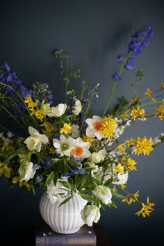 McKenzie Powell Floral & Event Design  spring florals