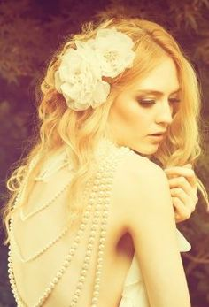 dreamy bridal fashion | three sunbeams I absolutely love everything about this... :) <3