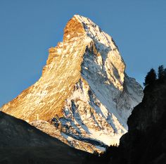 Take in the mountains and villages of the Alps aboard the Glacier Express, operating since 1930 as the slowest express train in the world. This seven-hour journey goes from the spa town of Zermatt at the foot of the Matterhorn to the ski resort area of St. Moritz, covering 181 miles over 291 bridges, through 91 tunnels and across the dramatic Oberalp Pass at 6,670 feet in altitude.#accumulation #PinUpLive >>> Sounds like a great way to experience dramatic views of the Alps…