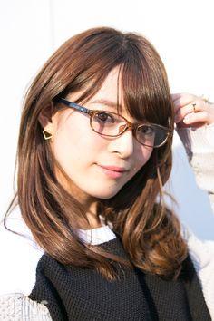 野村 真姫さん 細身のエアフレームでオシャレを快適に楽しめる JINS SNAP