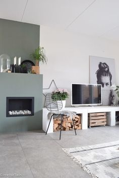 Excellent home decor tips are offered on our internet site. Read more and you wont be sorry you did. Home Living Room, Interior Design Living Room, Living Room Designs, Living Room Decor, Cute Dorm Rooms, Cool Rooms, Küchen Design, House Design, Farmhouse Side Table