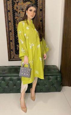 Fancy Dress Design, Stylish Dress Designs, Designs For Dresses, Stylish Dresses, Casual Dresses, Pakistani Fashion Casual, Indian Fashion Dresses, Indian Designer Outfits, Pakistani Outfits