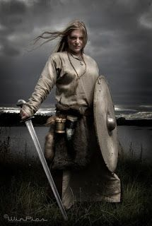 Discover Viking Odin Norse Valhalla Sweatshirt, a custom product made just for you by Teespring. - Beautiful and quality Viking - Odin - Norse -. Viking Power, Rune Viking, Viking Life, Viking Shield, Viking Art, Viking Warrior Woman, Warrior Women, Batman Christian Bale, Symbole Viking
