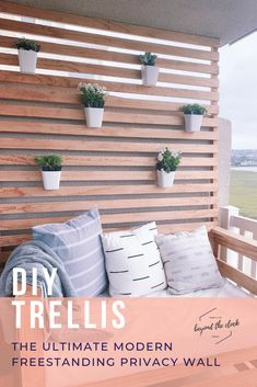 DIY Modern Balcony Trellis How to build your own privacy wall. Perfect for balconies, patios, and ro Privacy Wall On Deck, Balcony Privacy, Outdoor Privacy, Privacy Walls, Outdoor Walls, Outdoor Decor, Outdoor Wall Decorations, Outdoor Wall Planters, Outdoor Patios