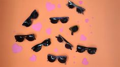 ¿Sabes ya con qué vas a sorprender a tu chic@ en San Valentín ❤?  Ahora que se acerca el buen tiempo  unas gafas de sol son una buena idea. Echa un vistazo a la nueva colección de #vans, ¡te va a encantar!  https://www.zapatosmayka.es/es/catalogo/seccion:complementos/estilo:gafas/