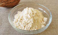 (Zentrum der Gesundheit) - Kokosmehl ist die gesunde Zutat nicht nur für eine glutenfreie und natürliche Backsaison, sondern für eine ganzjährig schlanke und exquisite Küche. Wer sich gesund ernährt, wählt auch für Kuchen und Gebäck nur die hochwertigsten Zutaten aus. Kokosmehl ist glutenfrei, ballaststoffreich, kohlenhydratarm, geschmackvoll, leicht zu verarbeiten und eignet sich daher hervorragend als köstlicher Bestandteil für die gesunde Küche.