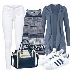 Schönes, modernes Outfit aus weißer Jeans, blauer Bluse und Adidas Superstars in Weiß mit blauen Streifen... #fashion #fashionista #inspiration #mode #kleidung #bekleidung #damen #frauen #damenkleidung #frühling #frühjahr #frauenoutfits #damenoutfits #outfit